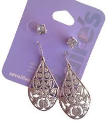 claires earrings s items tradesy