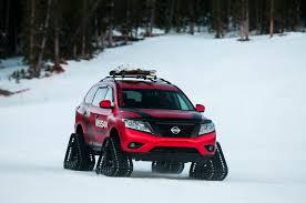 nissan pathfinder in snow nissan pathfinder