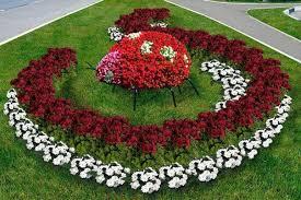 Summer Flower Garden Ideas - fun and bright summer flowerbed u2013 red and white petunias