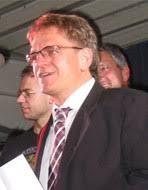 Roland Arnold, Gründer der Firma Paravan, der mit seinem enormen Engagement ... - gedaechtnispreis2010-roland-arnold
