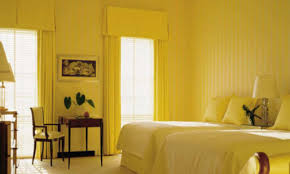 Yellow Accent Wall Curtains What Color Curtains Go With Yellow Walls Lovable Yellow