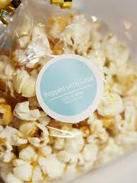 popcorn sayings for wedding 17 ways to word your wedding favor tags