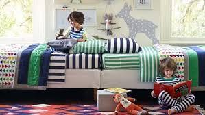 chambre a partager chambre d enfant partagée comment aménager et décorer
