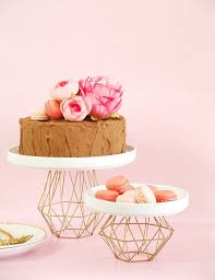 cake diy 21 cool wedding cake stands you can buy and diy brit co