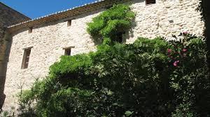 chambre d hotes vaison la romaine le grand barsan chambre d hôtes et gites binnentuin vaison