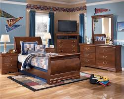 Bedroom Furniture Chicago Bedroom Find Your Dream Bed At Ashley Furniture Sleigh Bed