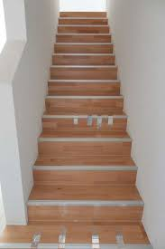 laminat treppen treppen einkleiden mit laminat parkett oder vinyl laminat