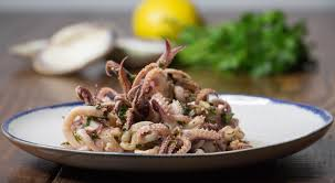 cuisiner le calamar calamar sauté à l ail recette pescetarian kitchen