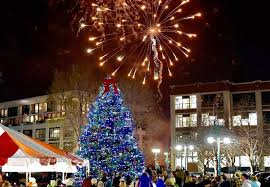 christmas tree lighting milwaukee midwest travel from chicago s one of a kind holiday show to polar