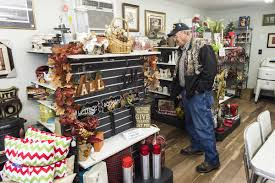 new consignment shop sells home décor and primitive items local