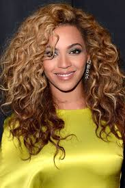 sexy styles for long curly layered hair using clips and combs sexy curly hairstyles ideas for sexiest looks curly hairstyles