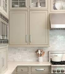 idee meuble cuisine meuble cuisine taupe cuisine taupe coleur neutre naturelle
