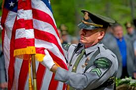 Fallen Officer Flag U P Peace Officers Memorial Service In Marquette Upmatters