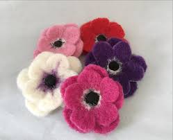flower brooch needle felt kit makes 5 pretty brooches the makerss