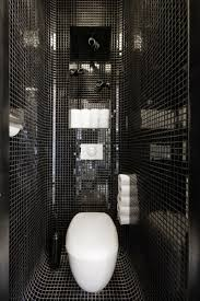 9 examples of black and white bathrooms for those who love