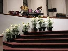 Easter Garden Decorating Ideas For Church by Decorate The Church With Flowers For Easter