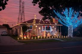 Best Christmas Decorated Homes by Best Christmas Lights And Holiday Displays In Lakewood Los