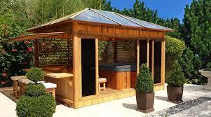 chalet a monter soi meme abri de spa en bois pour aménager son espace bien être foires