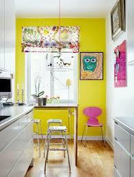 cuisine jaune et blanche cuisine blanche mur jaune photos de design d intérieur et