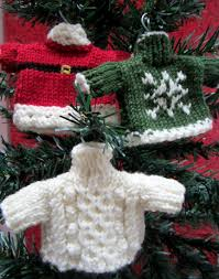 advent calendar day fourteen jumper day knitting