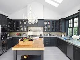 repeindre une cuisine en chene cuisine en chene repeinte en magnifique cuisine repeinte en noir