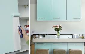 küche mit folie bekleben küchenarbeitsplatte bekleben das sollten sie bedenken alte