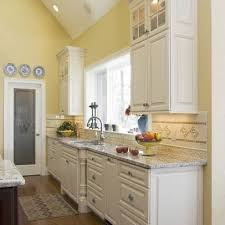 17 best benjamin moore soft yellows images on pinterest cabin