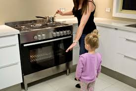 Kitchens For Toddlers by 10 Tips For Child Safety In The Kitchen