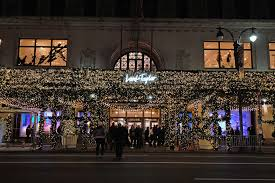 Pictures Of Christmas Lights by Best Christmas Window Displays From Departments Stores In Nyc