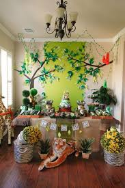 jungle theme decorations some astonishing diy birthday party ideas for zoo jungle animals