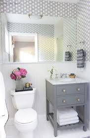 How To Set Up A Small Bathroom - the 25 best small bathroom wallpaper ideas on pinterest