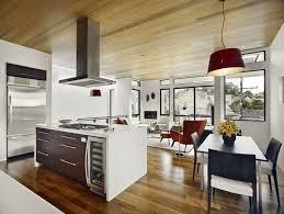 cuisine plancher bois salon salle a manger cuisine ouverte ilot central plafond plancher