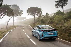 toyota yaris vs lexus ct200h toyota and lexus hybrids to shine at ecovelocity autoevolution