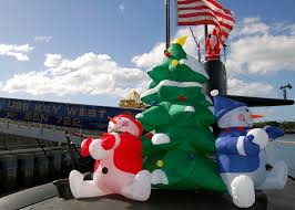 file us navy 051213 n 0879r 004 christmas decorations adorn the