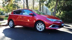 2016 toyota corolla review toyota corolla hybrid 2016 review carsguide