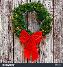 Lighted Outdoor Wreaths Christmas Lighted Christmas Wreaths For Windows Battery Operated