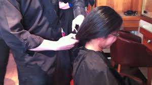 ponytail haircut technique i ve cut 33 85 inches 86cm off my friend s hair using my