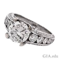 diamond ring how to select a round diamond engagement ring
