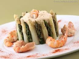 cuisiner les langoustines chartreuse aux 2 asperges et espuma de langoustines recette de