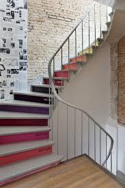 treppe streichen holztreppe streichen farbig und kreativ archzine net