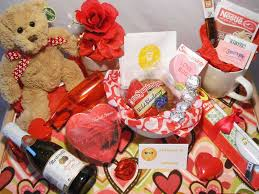 valentines presents gifts design ideas best valentines day gifts for men top 10