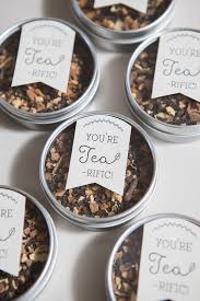 Cheap Wedding Guest Gifts Learn How To Make These Darling Tea Wedding Favors Tea Tins