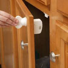 Child Proofing Cabinet Doors Child Proof Cabinet Magnets