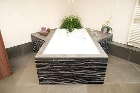 badezimmer schiefer badezimmer in basalt und schiefer contemporary bathroom