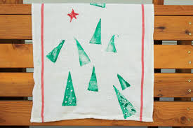 diy christmas gift idea potato stamped tea towels