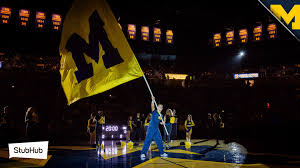 Michigans State Flag Follow Live Coverage As The Wisconsin Badgers Take On No 20