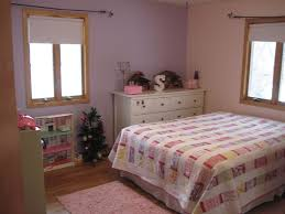 split level bedroom spacious split level home near the hospital swimming pool and