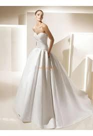 robe de mari e satin robe de mariée satin avec poches col coeur drapes