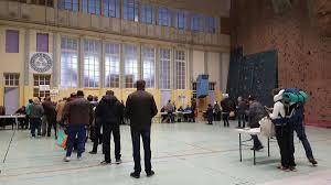 bureau grenoble présidentielle la journée du second tour vue des bureaux de vote