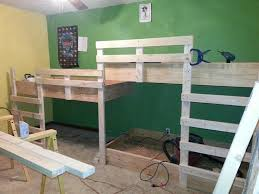 Designs For Building A Loft Bed by Best 25 Bunk Bed Crib Ideas On Pinterest Toddler Bunk Beds